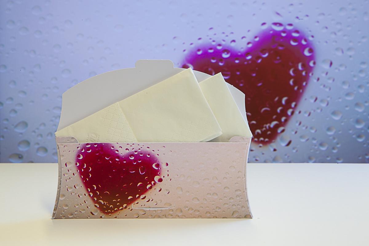 Troostenvelop open met zakdoekjes voorbeeld